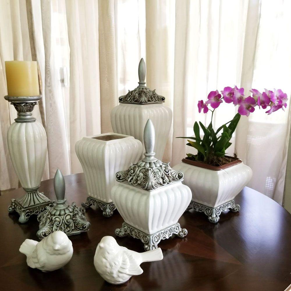 Pote / Potiche Pequeno de Cerâmica Off-White - Canelado Com Tampa